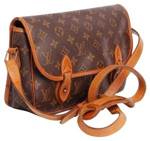 Louis Vuitton Sac Gibeciere Mm Cross Body Bag