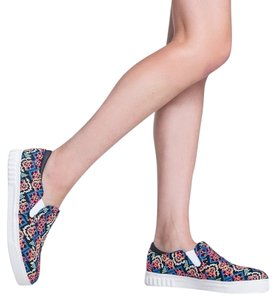 Sam Edelman Celeste Embroidered Slip On Sneakers multi Athletic