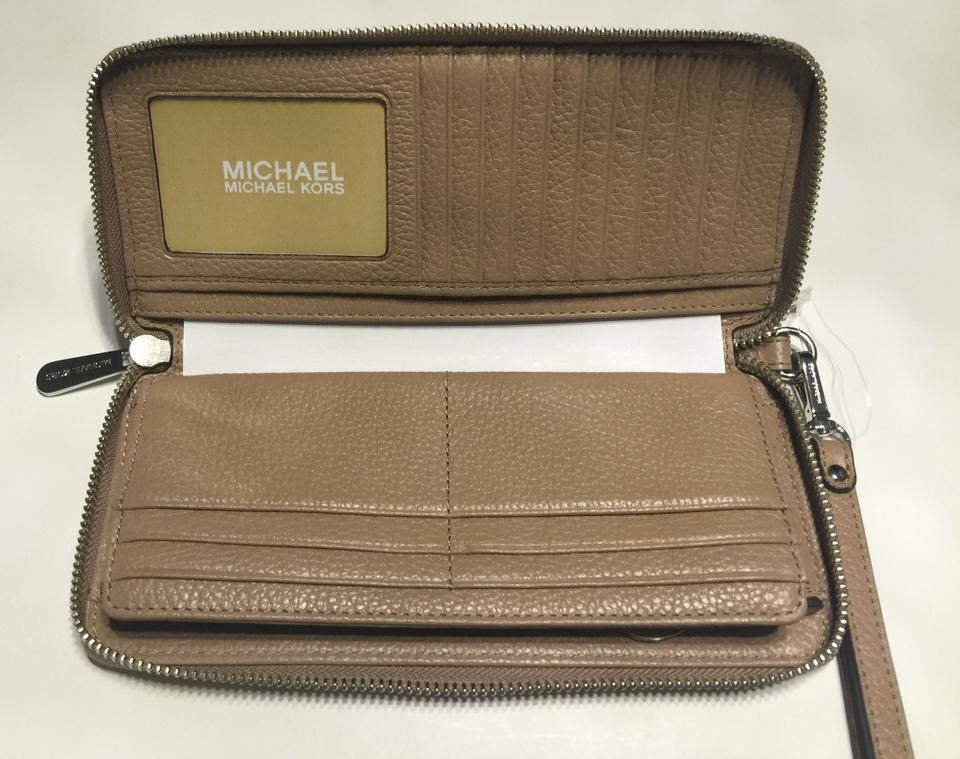 06c1b473a64377 ... Michael Kors Dark Khaki Za Travel Continental Jet Set Clutch Wristlet  Wallet - Tradesy ...