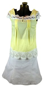 Gianni Bini White Scalloped Edge Top Yellow
