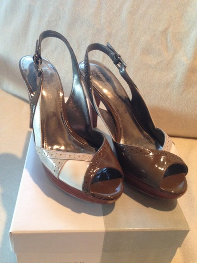Marc Fisher Retro Platform Patent Leather Brown, beige and white Pumps
