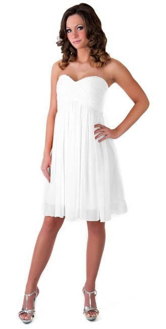 Ivory Strapless Sweetheart Pleated Bust Chiffon Short Formal Dress Size 6 (S) Ivory Strapless Sweetheart Pleated Bust Chiffon Short Formal Dress Size 6 (S) Image 1
