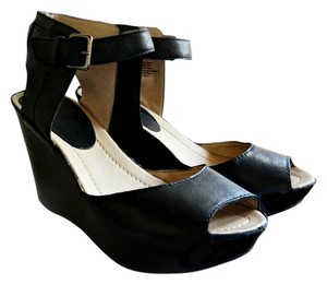 Kenneth Cole Reaction Sandal Leather Ankle Strap Comfortable Leather Sandals Open Toe black Wedges