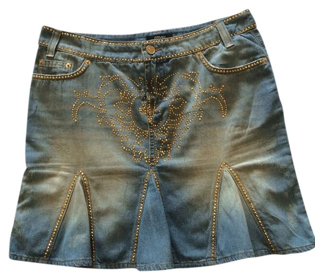 Preload https://img-static.tradesy.com/item/1206427/versace-blue-jeans-with-gold-beads-coutur-miniskirt-size-6-s-28-0-0-650-650.jpg