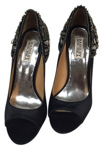 Badgley Mischka Pumps