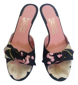 Salvatore Ferragamo Pink Flower 2' Heels Kitten Heels Fabric Black Mules