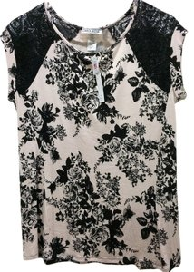 Carol Rose T Shirt pale cream,peach with black flowers