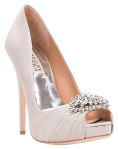 Badgley Mischka Pettal Satin Pump Shoe Heel Silver Pumps