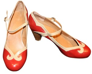 Wanted red/cream accent Pumps
