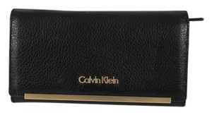 Calvin Klein Calvin Klein Pebbled Leather Clutch Wallet