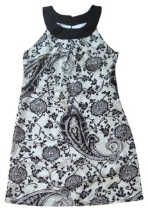 White House | Black Market Paisley Sleeveless Dress