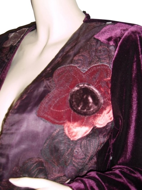 Item - Burgundy W Unique Silk Velvet Floral Appliques @ Fashionista Style Boutique Jacket Size 6 (S)