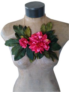 Tracey Vest Pink Flower Necklace Neckpiece