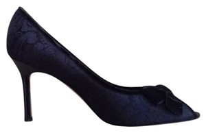 Brooks Brothers Heels Velvet Bow Navy Paisley Pumps