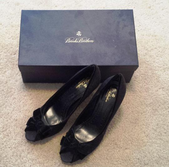 Brooks Brothers Heels Velvet Bow Italy Navy Paisley Pumps