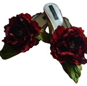 Other Tracey Vest Red Peony Shoe Clips