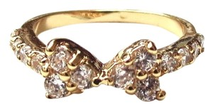 Elliot Francis pave bow ring