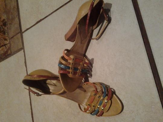 Vince Camuto Leather Sleek Look Straps In- Front multi colors mustard, orange teal-blue, dark tan Pumps