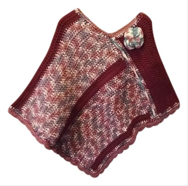 Item - Burgundy Mauve Varrigated with Flower Poncho/Cape Size OS (one size)