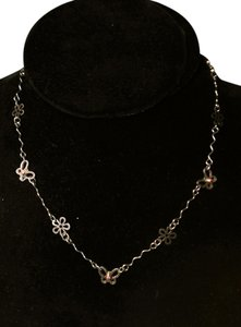 Other Silver Base Metal Flower Shaped Chain Necklace N179