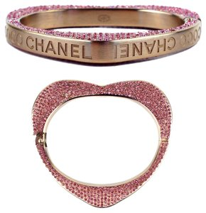 Chanel BRACELET - PINK CRYSTAL HEART RHINESTONE GOLD CUFF COCO LOGO CC BANGLE