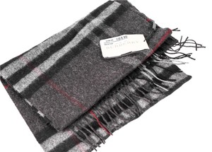 Burberry Burberry Classic Cashmere Scarf in Heritage Charcoal Check