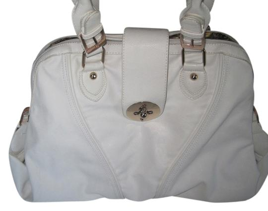 Preload https://item4.tradesy.com/images/imoshion-white-vegan-leather-shoulder-bag-1209963-0-0.jpg?width=440&height=440