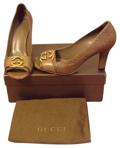 Gucci Caramel Pumps