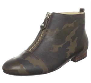 Be&D Camo Boots