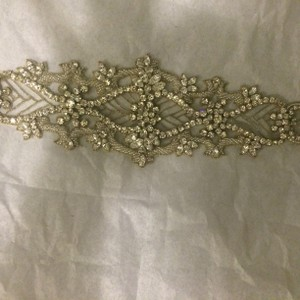 Pronovias Pronovias Sash/headpiece