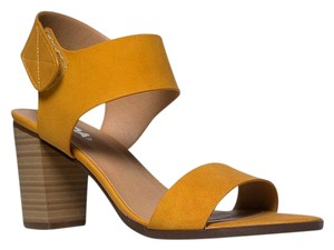 Soda Blu Yellow Sandals