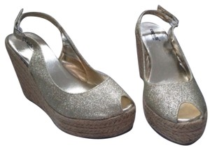 Capelli New York Gold Wedges