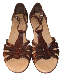 Clarks Comfortable Bendables Brown Sandals
