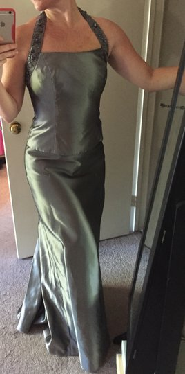David's Bridal Platinum / Silver Two Piece Wear Formal Bridesmaid/Mob Dress Size 4 (S)