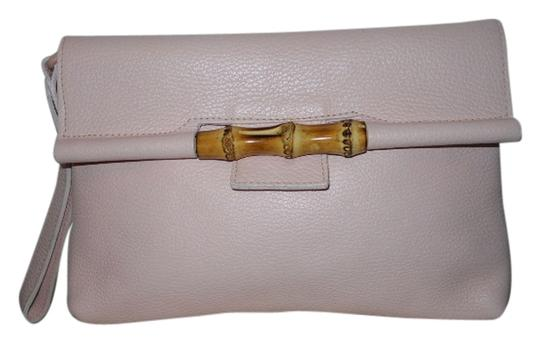 Preload https://img-static.tradesy.com/item/1212072/pebbled-pale-pink-leather-clutch-0-0-540-540.jpg