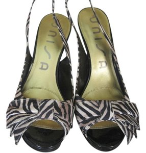 Unisa High Heal Black and Tan Pumps