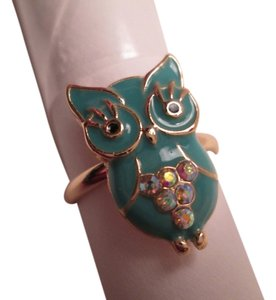 jcp Cute Owl ring approx. size 7. Gold /Turquoise costume jewelry color.