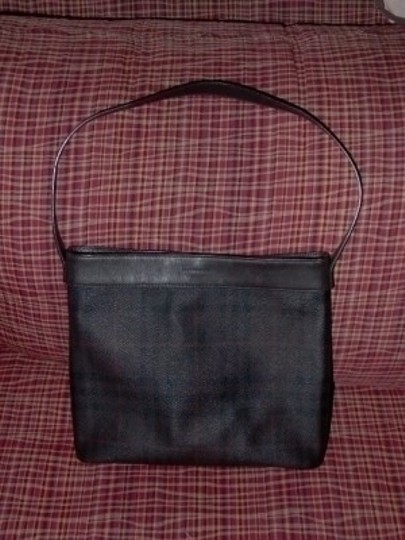 Preload https://item1.tradesy.com/images/burberry-purse-nova-check-nice-brown-leather-shoulder-bag-12130-0-0.jpg?width=440&height=440