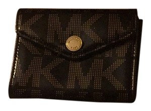MICHAEL Michael Kors MK black and gold style 5 card slot wallet with interior file space.