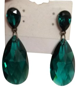 bisou tresor Emerald Earrings
