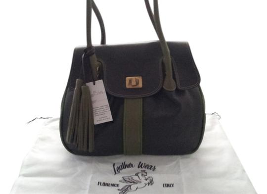 Preload https://item2.tradesy.com/images/bruno-rossi-leather-tote-bag-green-1213501-0-0.jpg?width=440&height=440