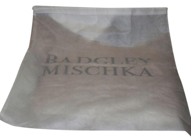 Item - White with Silver Logo Huge Sleeper Dust Cover Bag For Purse Or Shoes Fits Shoes Or Purse 20 Inch