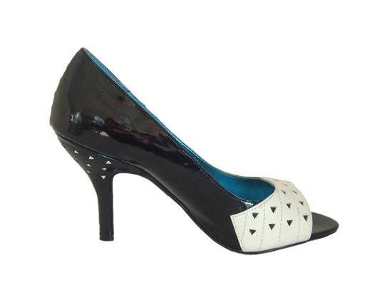 Naughty Monkey Piptoe Black/White Leather Patent Leather Trim white/black Pumps