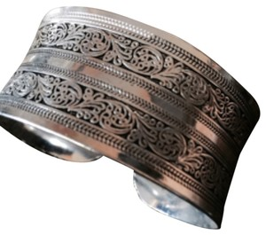 ✨NEW✨Tibetian Etched Silver Cuff Bracelet