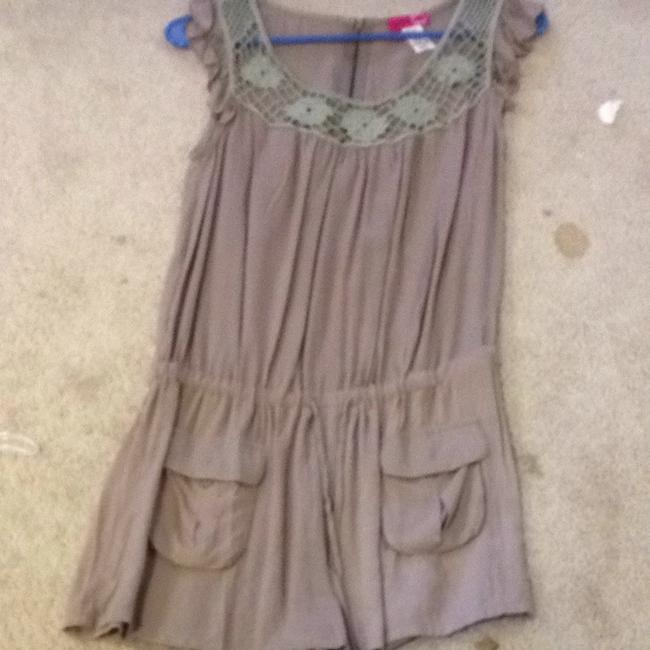 Preload https://item3.tradesy.com/images/body-central-rompers-jumpsuits-1215327-0-0.jpg?width=400&height=650