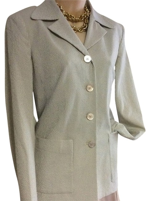 Preload https://img-static.tradesy.com/item/1216101/michael-kors-white-grey-sale-like-new-4-button-blazer-size-8-m-0-0-650-650.jpg