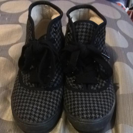 Forever 21 Houndstooth Athletic