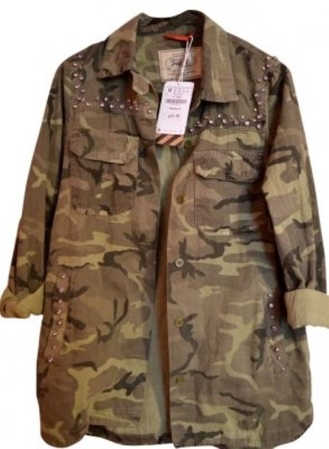 Preload https://img-static.tradesy.com/item/121661/zara-camouflage-overshirt-style-number-1338-button-down-top-size-8-m-0-0-650-650.jpg