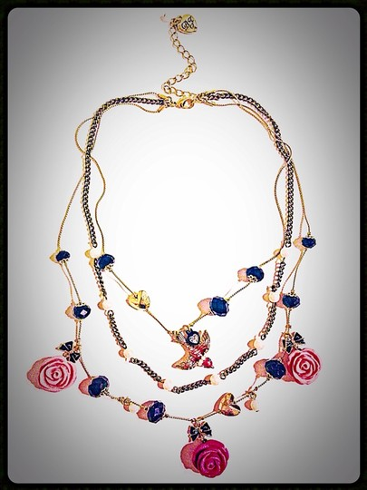 Betsey Johnson Betsey Johnson Rose Layer Bird Sparrow Pinup Necklace Image 4