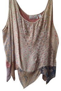 Sacred Threads Rayon Made In India Light Weight Free Flowing Tee Scalloped Bottom Top Tan and Brown Flowers